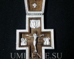Крест наперсный деревянный в латунном обрамлении