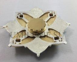 Мощевик латунный фрагментарной позолотой со вставками