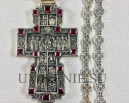 Крест серебряный со вставками из гранатов с цепью 120 см.
