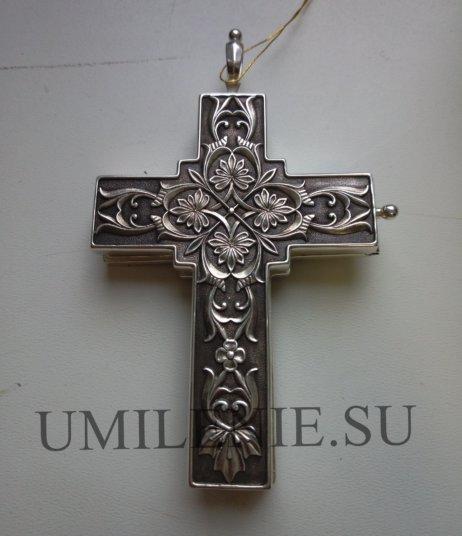 крест-мощевик наперсный с украшениями