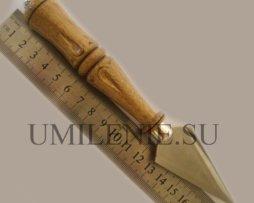 Копие в деревянной ручкой