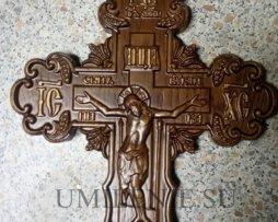 Крест деревянный резной в планшете