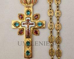 Крест наперсный латунный в позолоте в финифтевым распятием и цепью